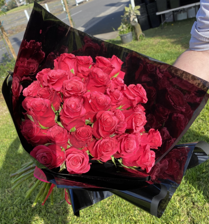 bouquet red roses 20 stems
